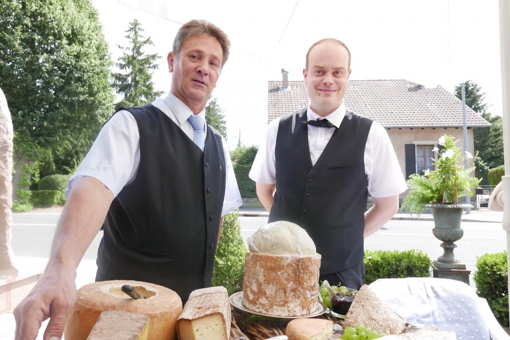 Le plateau de fromages et le service © GP