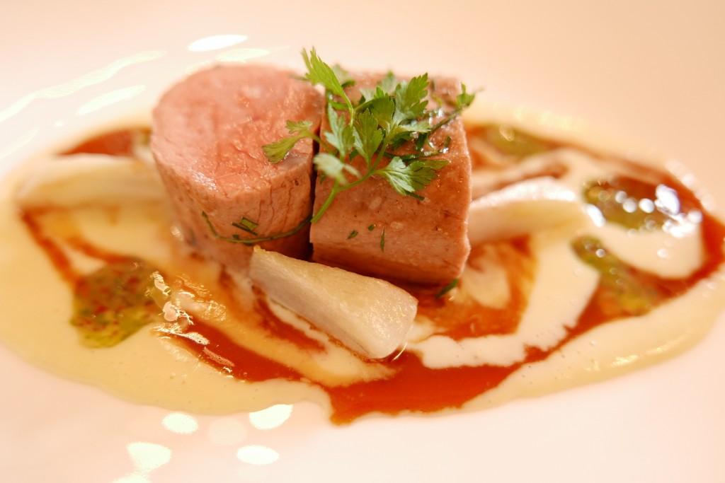 Filet de veau, artichaut et poireau © GP