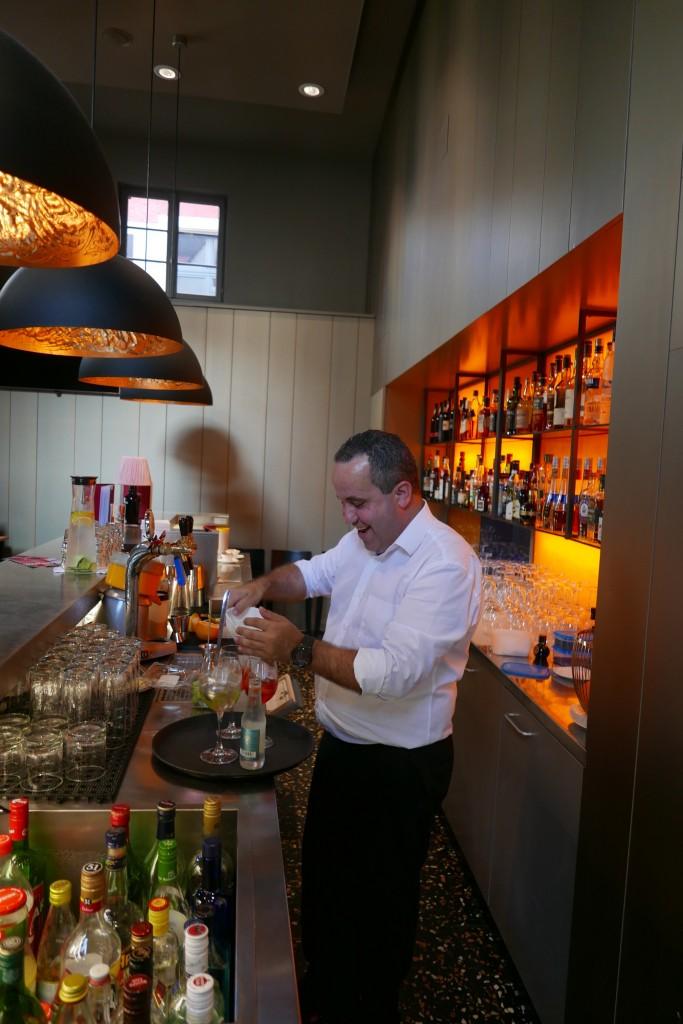 Jorge Oliveira au bar © GP