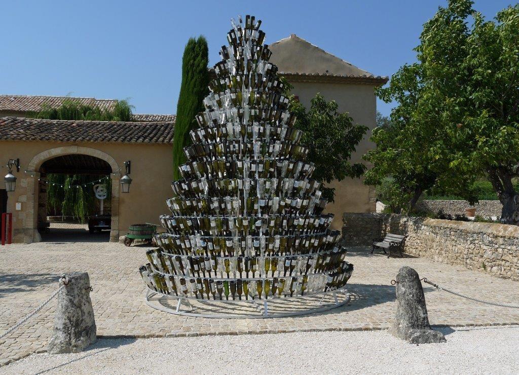 La pyramide aux mille bouteilles©AA