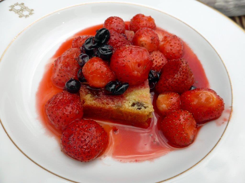 Sauté de fraises au miel ©AA