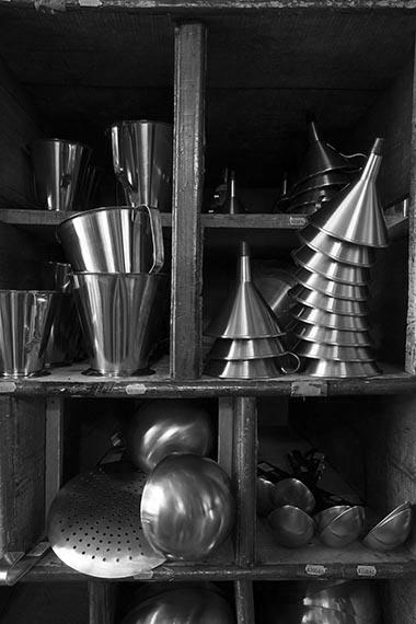 Europe/Ile-de-France/France/Paris. La boutique historique d'instruments de cuisine Dehillerin.