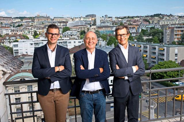 Marc Haeberlin entre Julien Krauss et le directeur Alain Kropf © 24 Heures