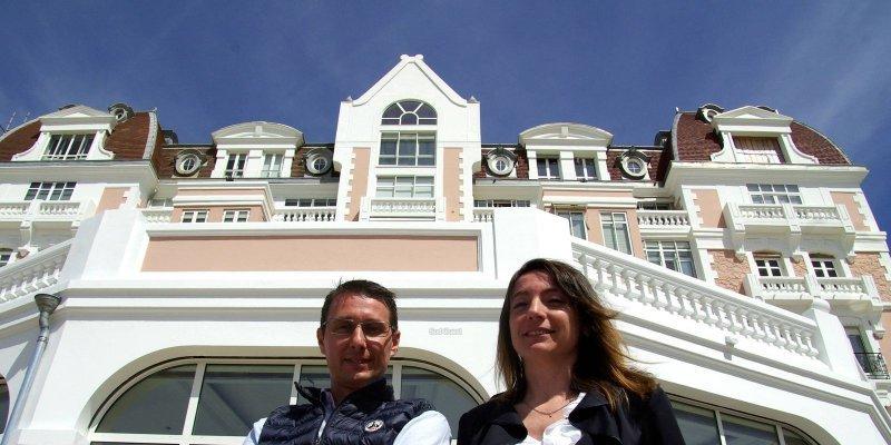 Christophe Grosjean et la directrice du Grand Hôtel © Sud-Ouest