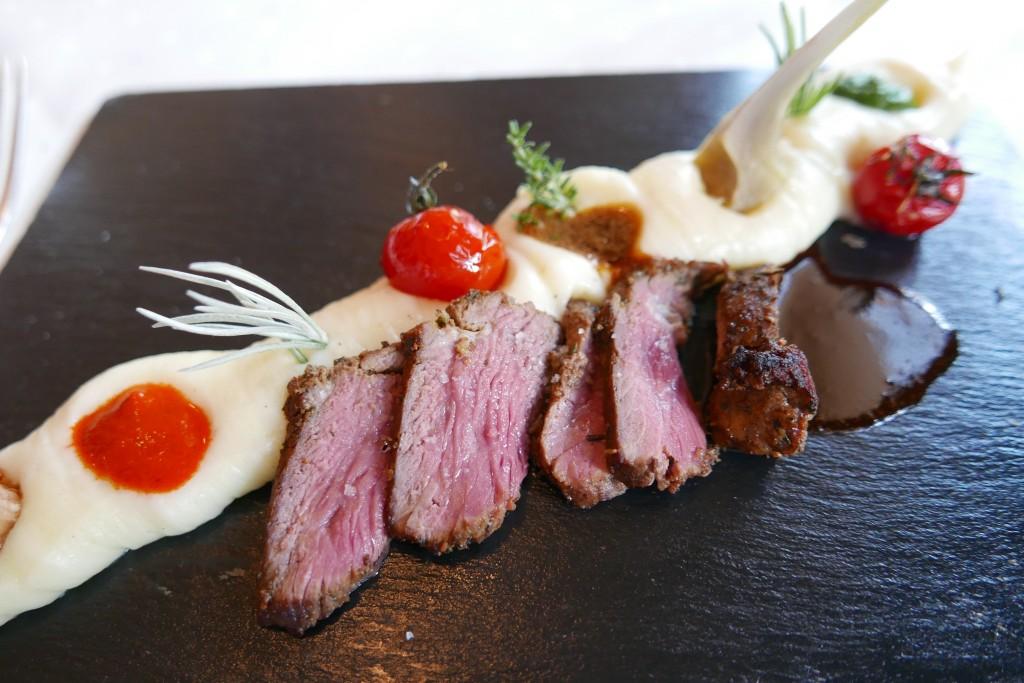 Gigot d'agneau et pommes de terre ©G¨