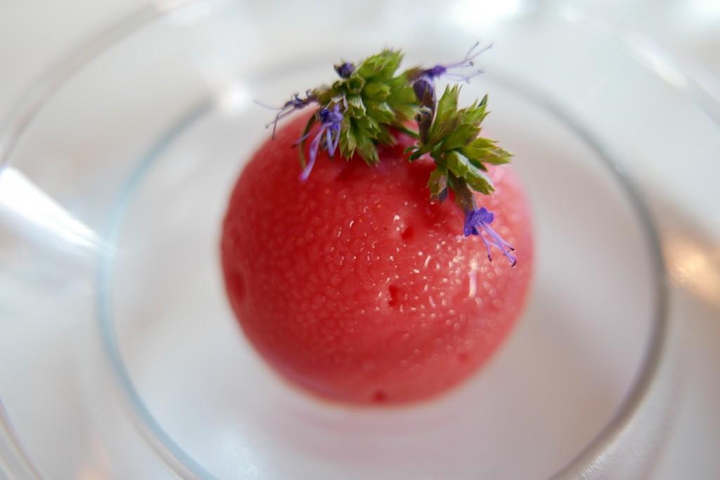 Coque chocolat blanc coeur de fraises © GP