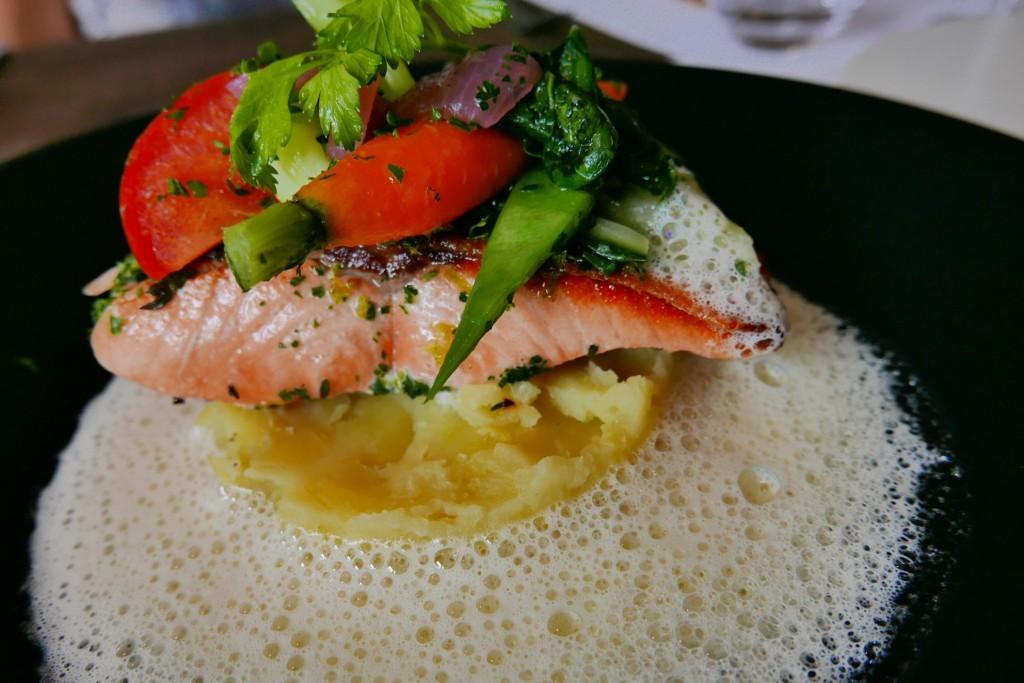 Filet de saumon et pommes purée © GP