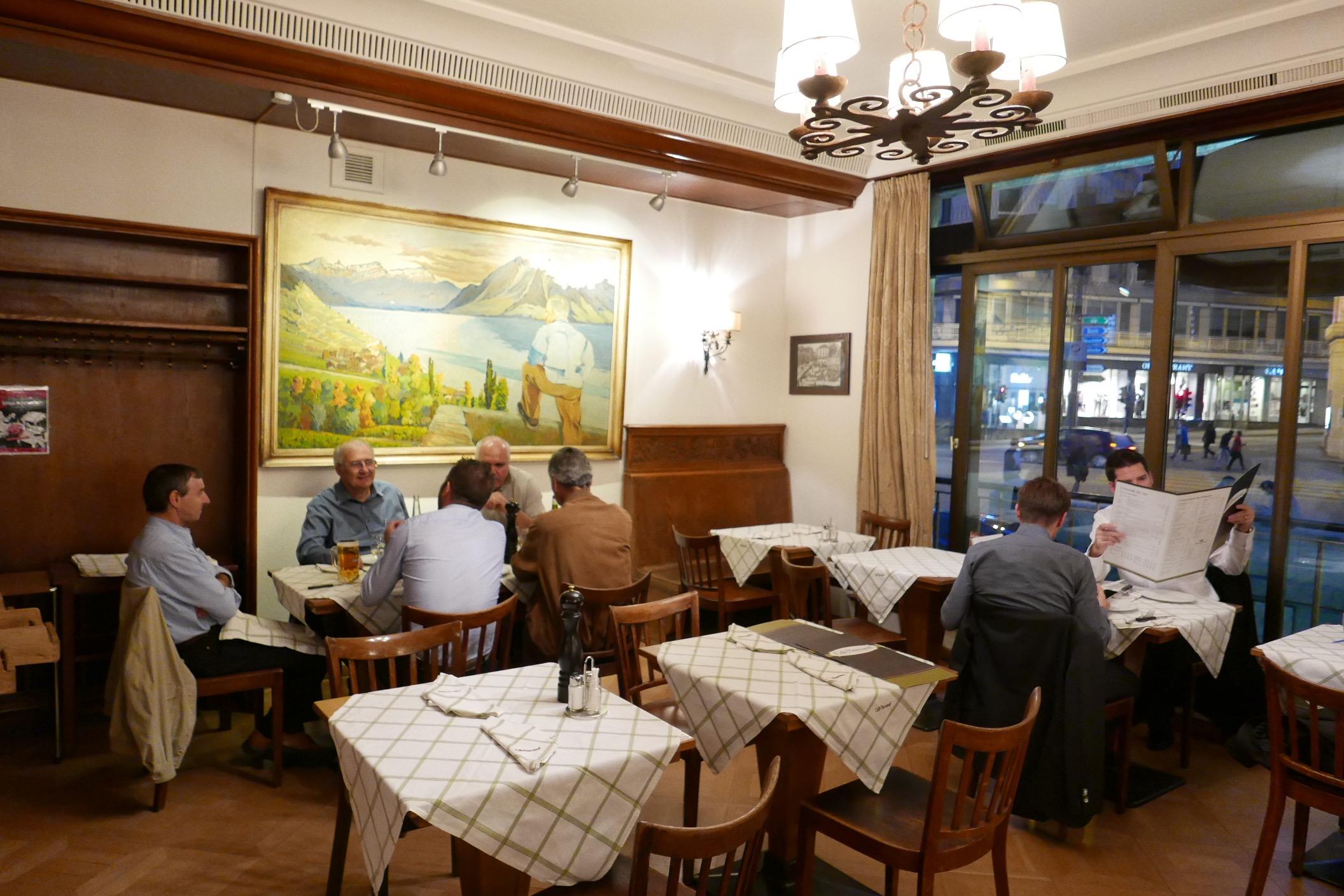 Caf romand caf lausanne une halte au caf romand rendez vous - Restaurant le patio rodez ...