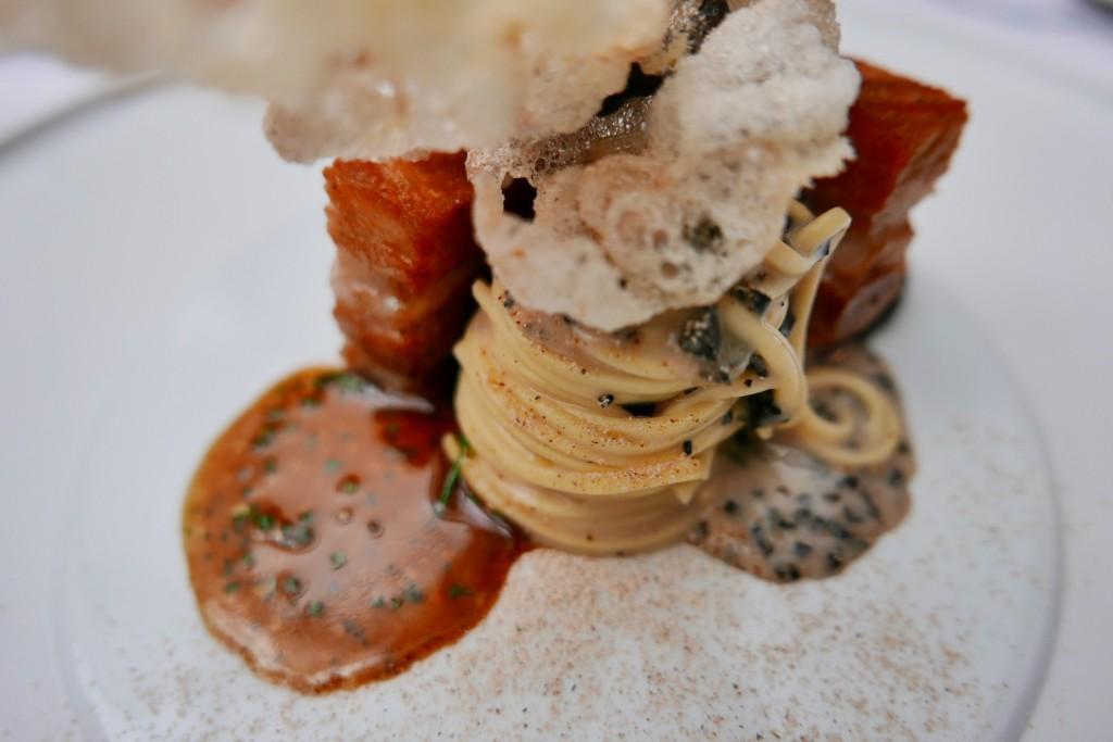 Spaghetti, truffe, poitrine de cochon © GP