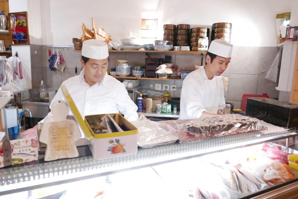 Le sushimen à l'oeuvre © GP