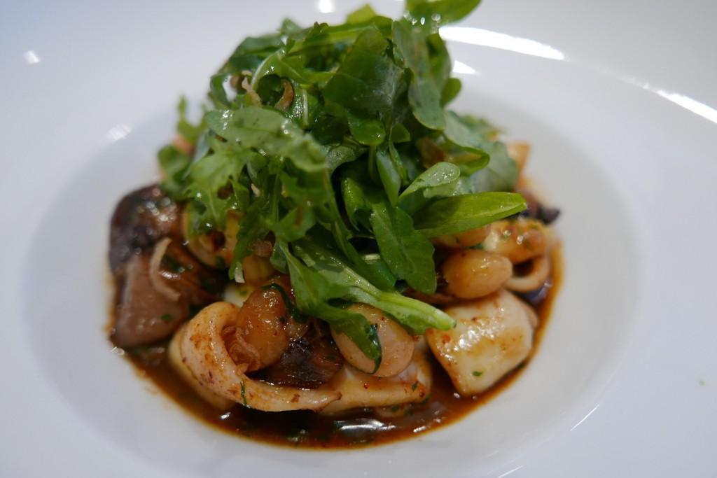Fricassée de calamars et cocos de Paimpol © GP