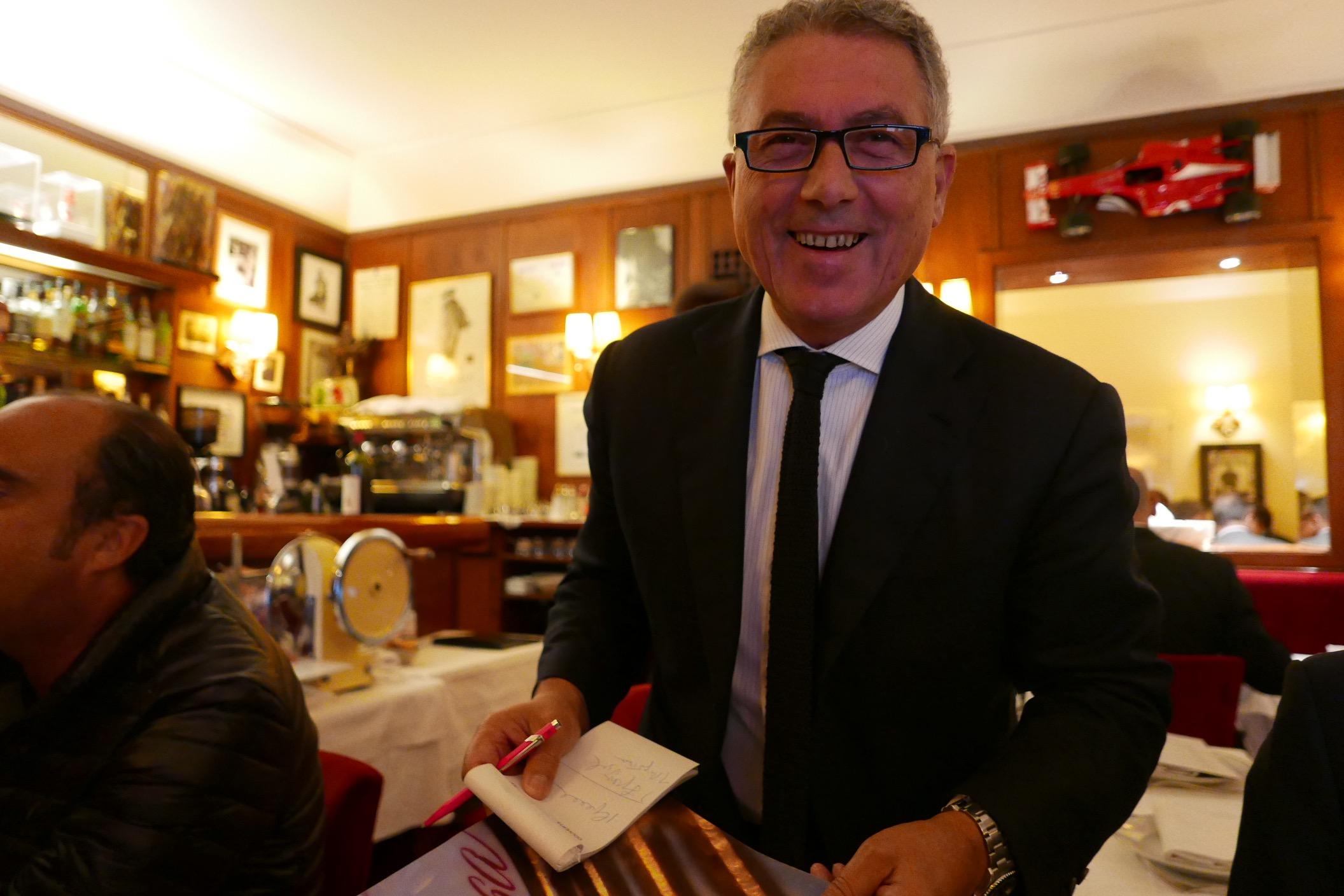 stresa restaurant italien paris 8e le club des faiola. Black Bedroom Furniture Sets. Home Design Ideas