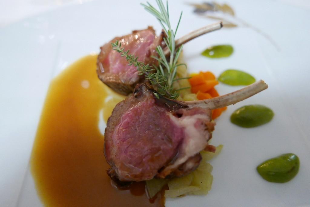 Carré d'agneau de Provence en chartreuse de fenouil © GP
