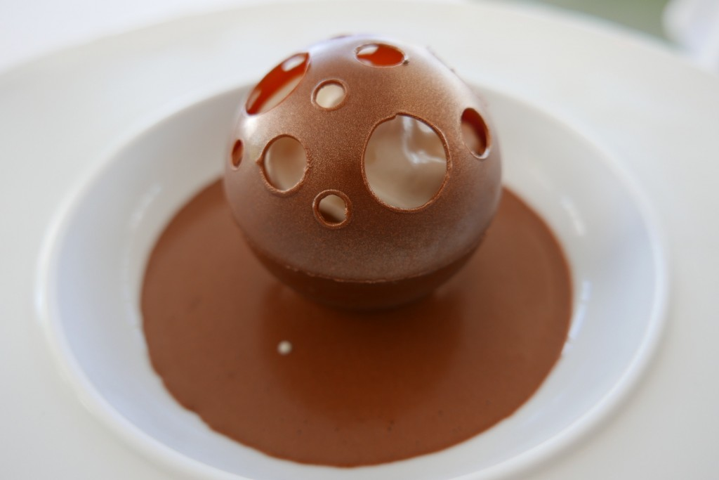 Sphère chocolat © GP