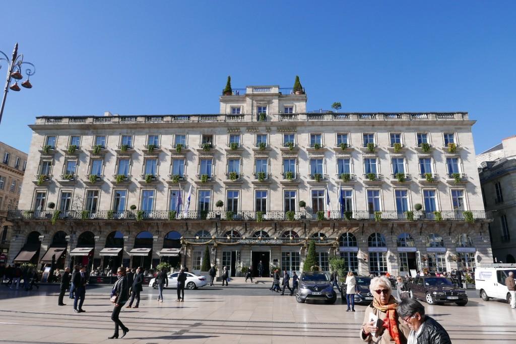 Grand h tel de bordeaux h tel bordeaux magique grand for Hotel original bordeaux
