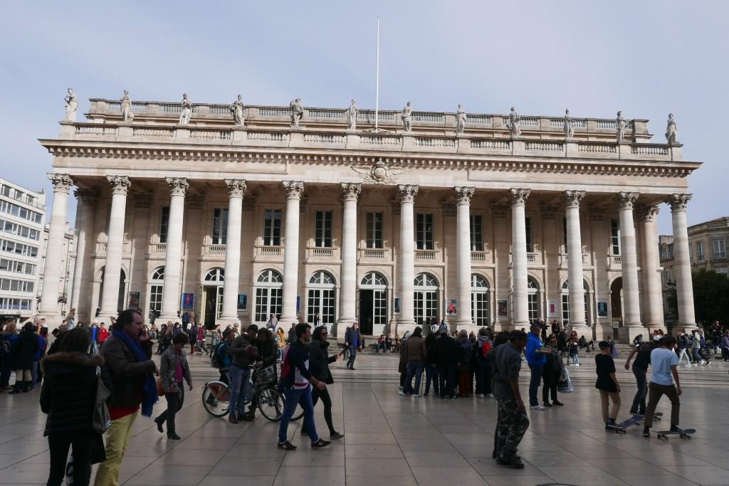 Le Grand Théâtre en vis à vis © GP