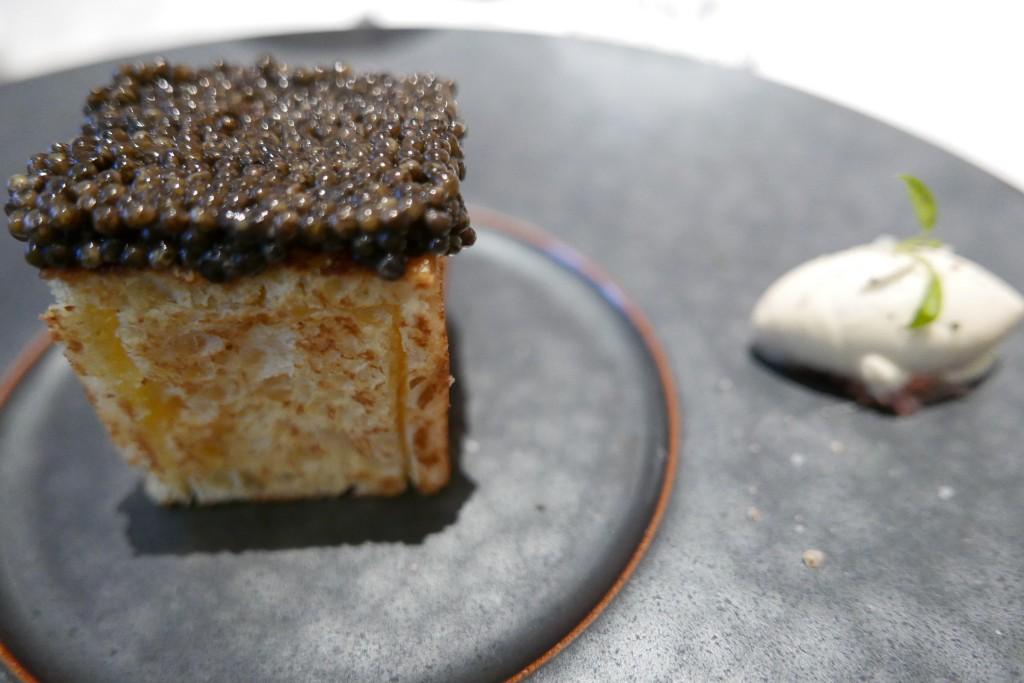 Pain perdu de pommes Pompadour au caviar © GP