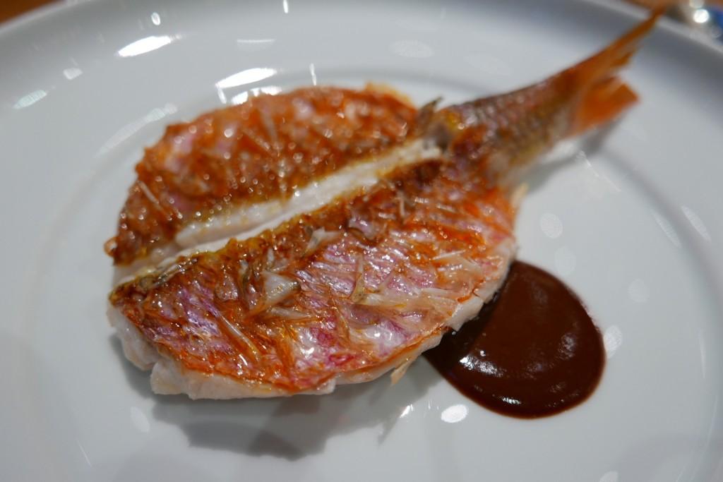 Rouget en écailles sauce civet © GP