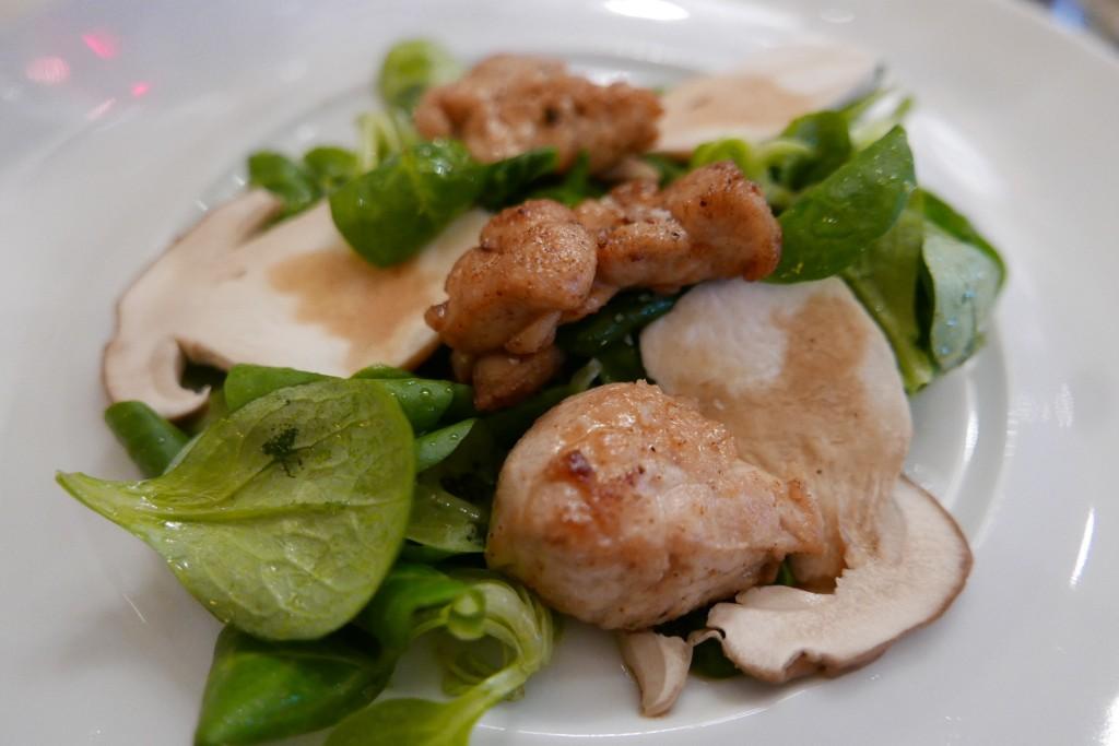 Salade mâche, ris de veau et cèpes ©GP