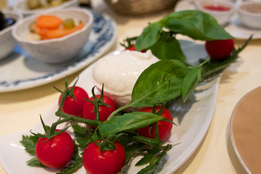 Mozarella et tomates grappes © GP