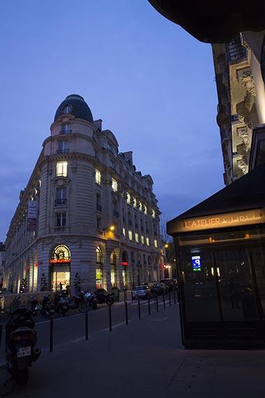 Europe/France/Paris. Atelier saint-Germain de Joël Robuchon. Vue de nuit