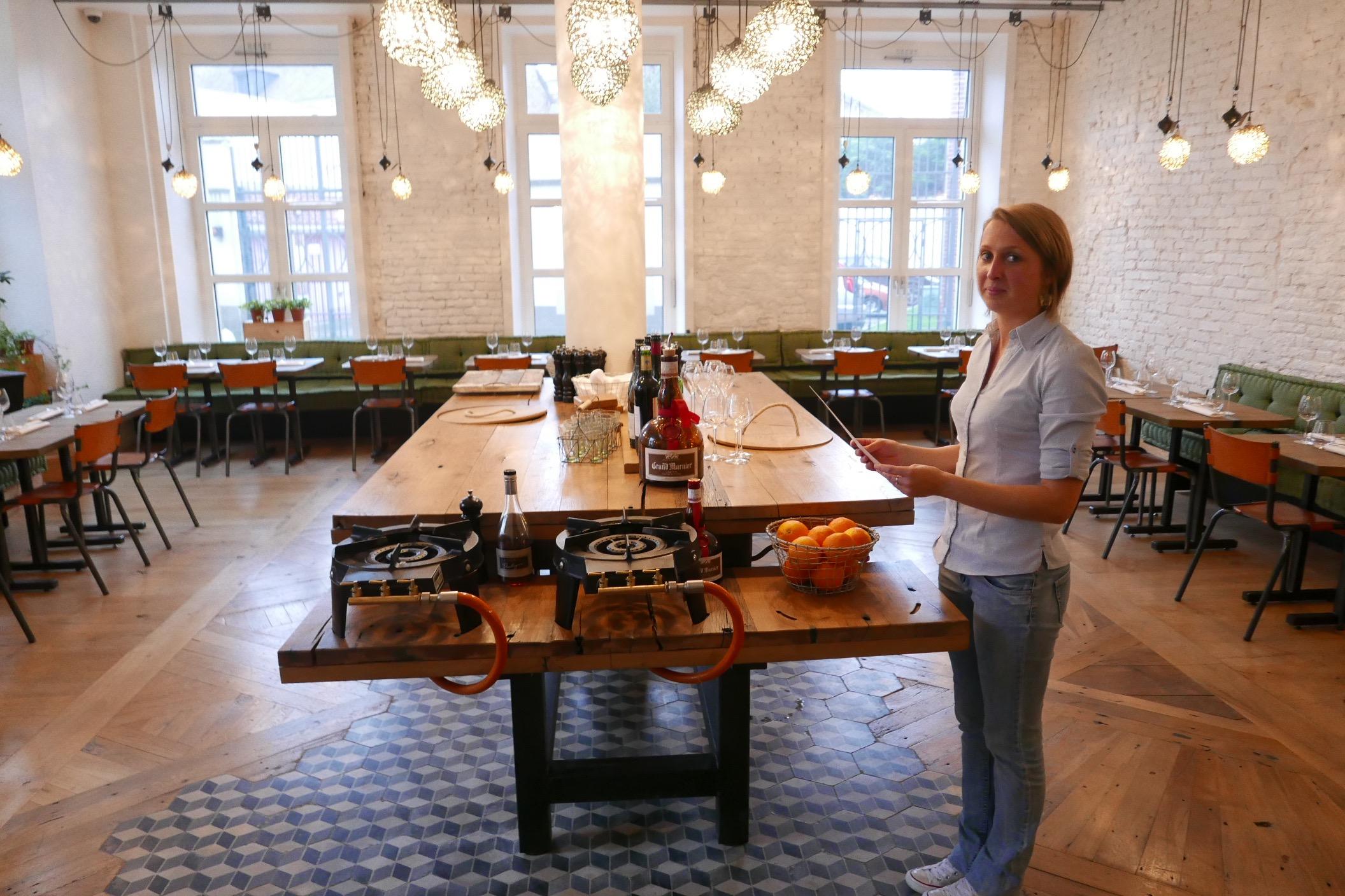 Roland gauthier et le service - Le patio restaurant montreuil sur mer ...