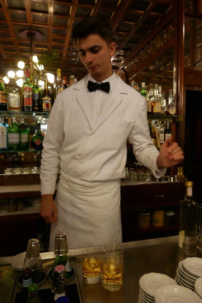 Service du vermouth ©GP
