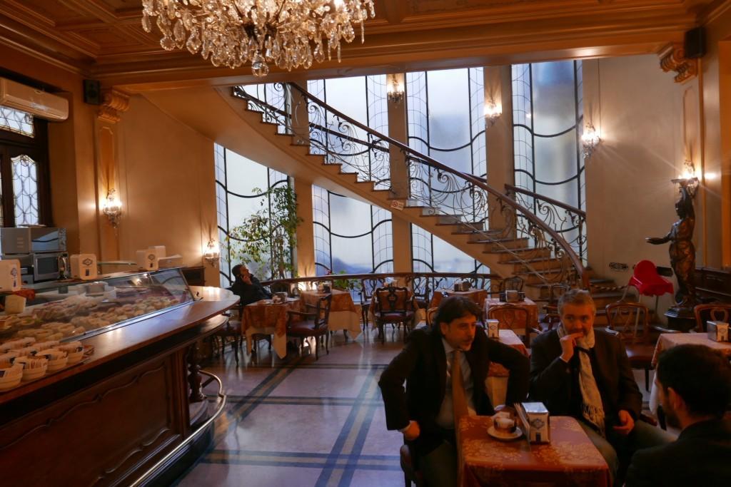 Caf torino caf turin une halte au torino rendez vous for Bar maison torino