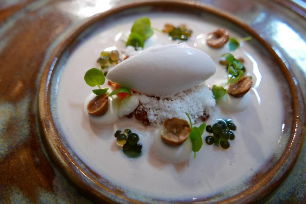 Caviar de saumon lait de noisettes pommes ©GP