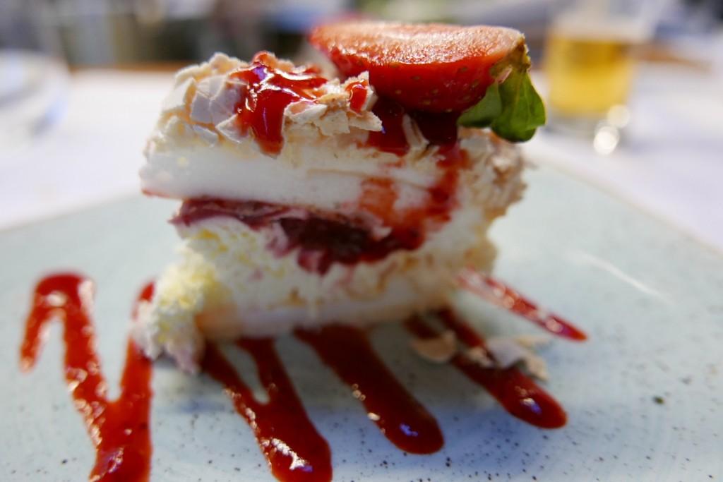 Meringue à la fraise © GP