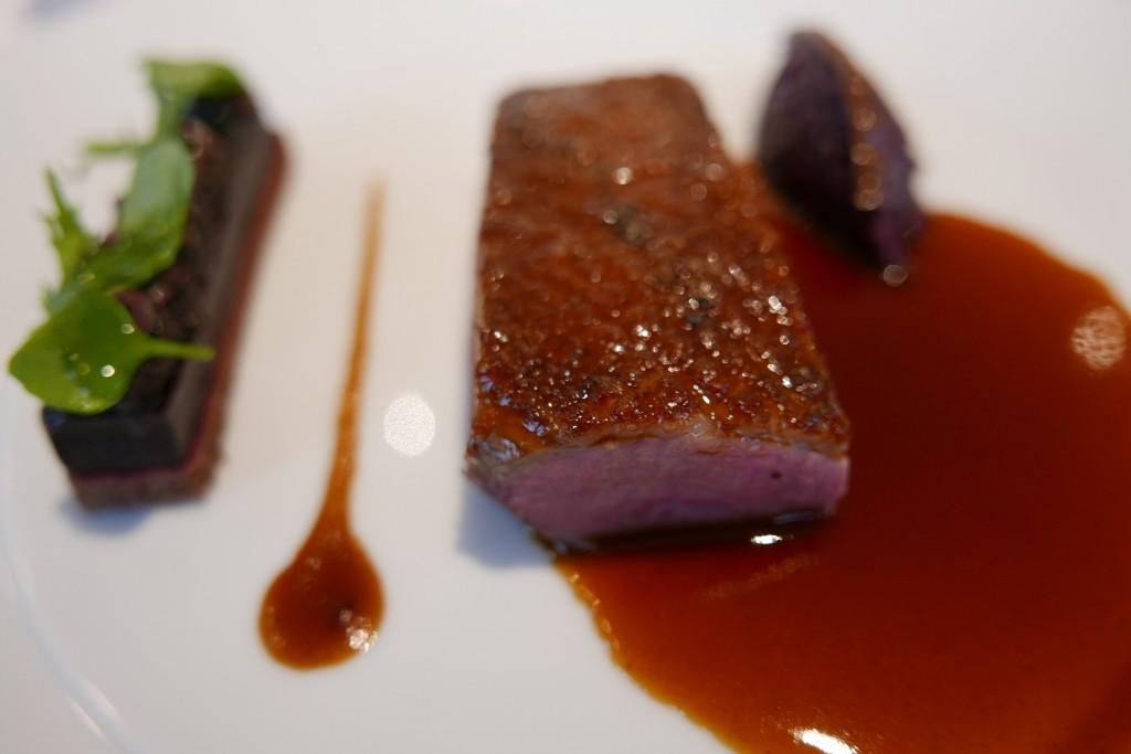 Canard, mûres, choux rouges © GP
