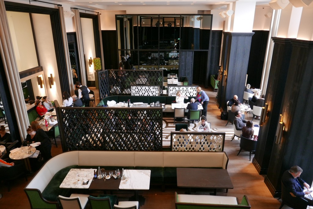 La Cafe Or Le Cafe