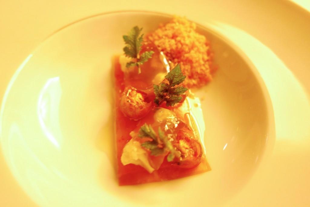 Sériole à la peau de tomate, gelée de gaspacho © GP