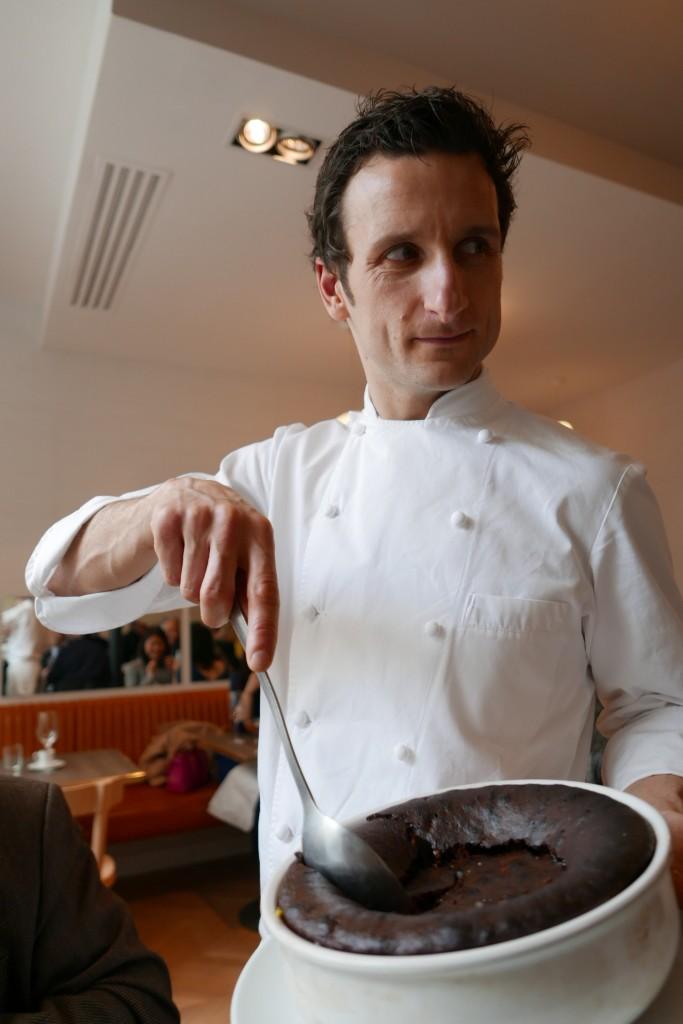 Christophe Saintagne et le gâteau au chocolat © GP
