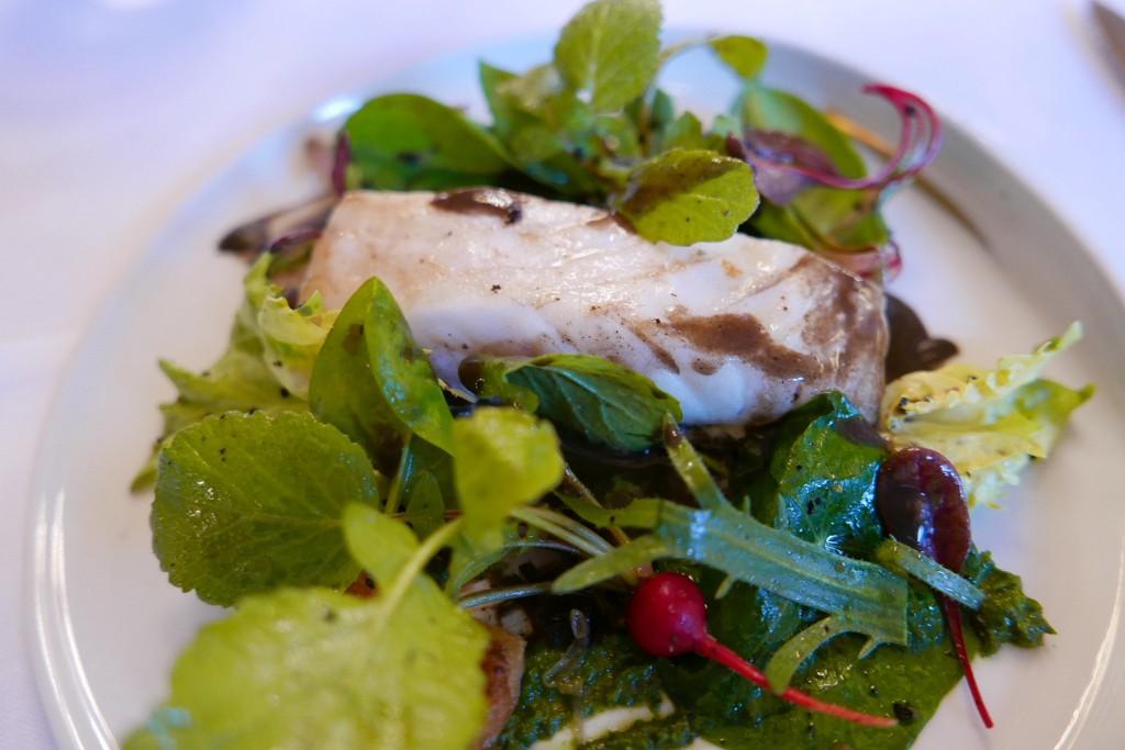 Turbot et salades amères © GP