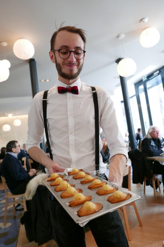 Le service des madeleines ©GP