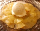 Ananas mi-cuit avec son espuma coco et son sorbet ananas ©GP