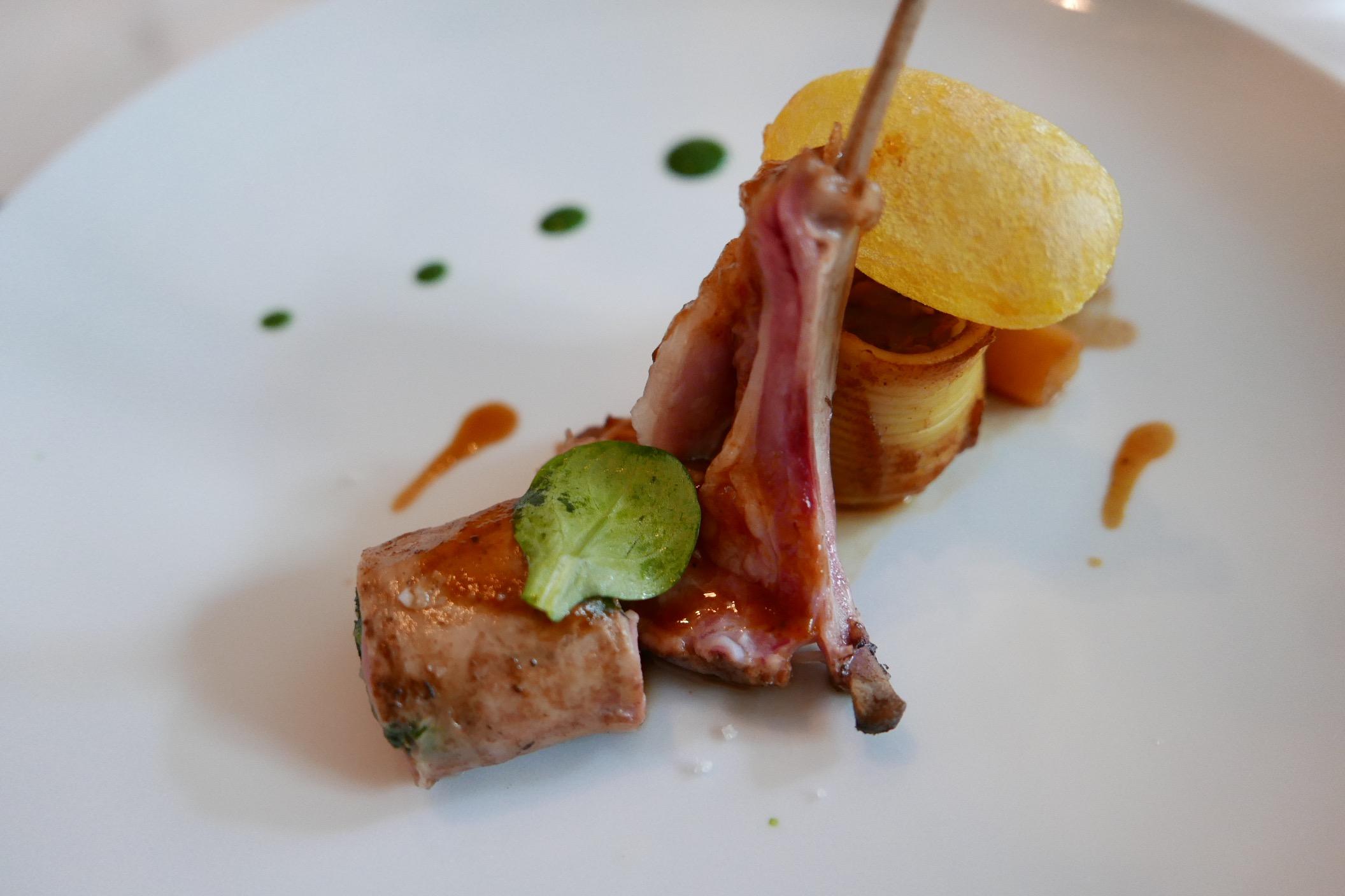 Agneau en deux cuissons avec topinambours et salsifis - Cuisiner avec la sauge ...