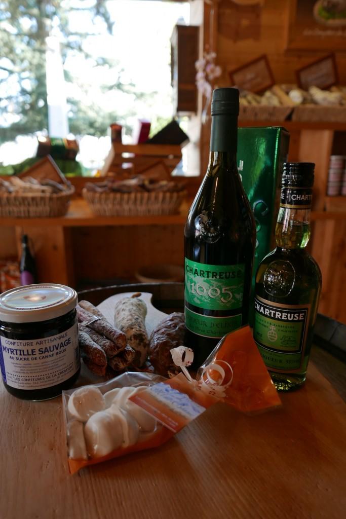 Confiture, chartreuse, saucissons © GP
