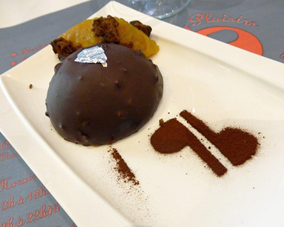 Dôme de mousse chocolat© AA