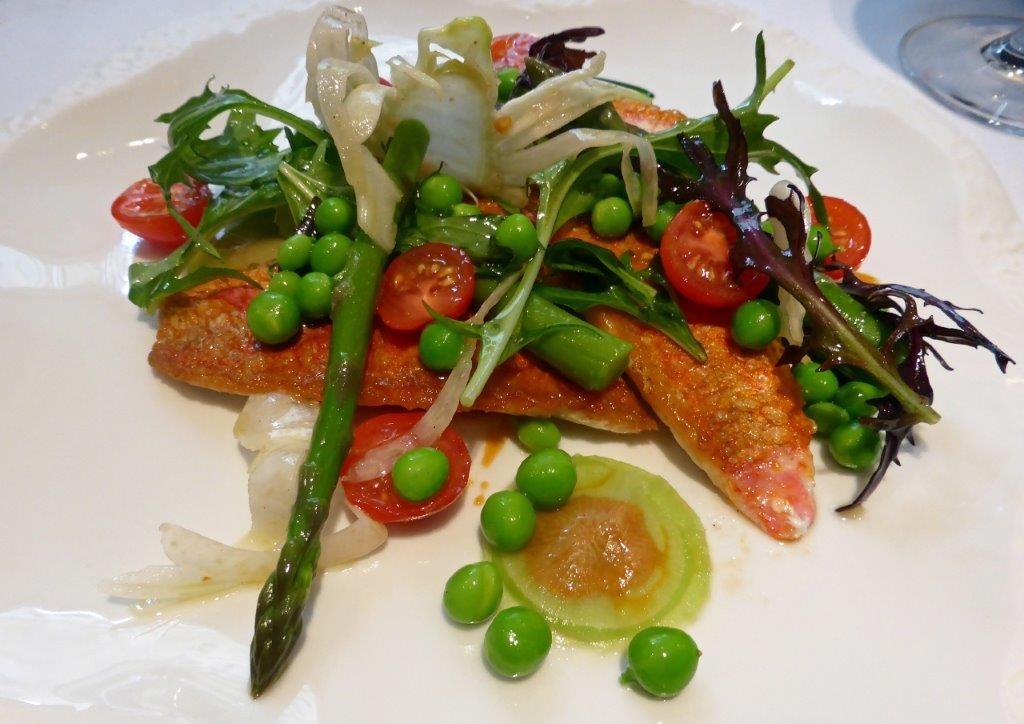 Filet de rouget poêlé aux légumes © AA