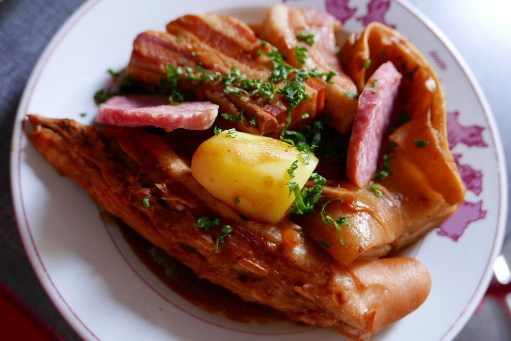 Grande assiette de cochonnailles ©GP