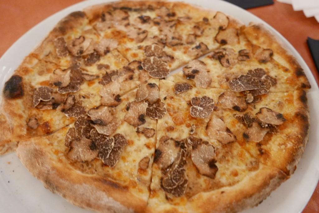 Pizza aux truffes ©GP