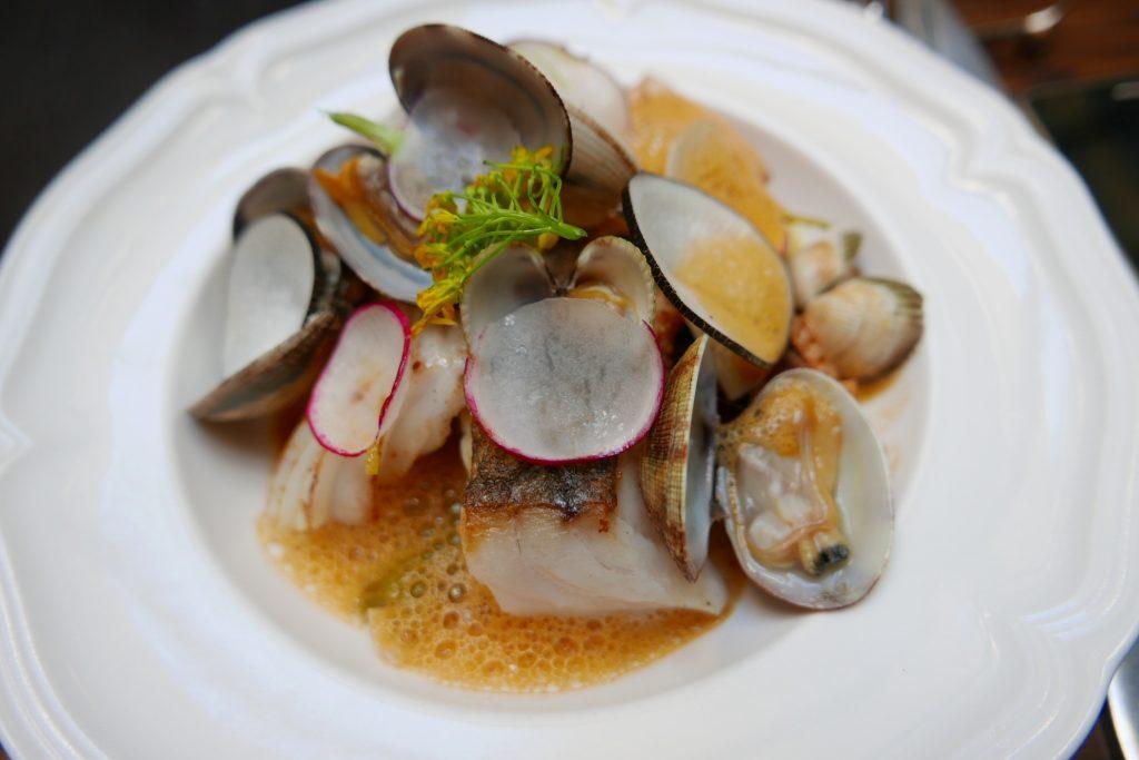 Lieu aux coquillageset calamars © GP