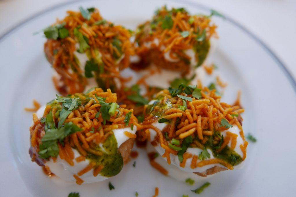 Coquilles soufflées, pommes de terre aux épices, yaourt, tamarin © GP