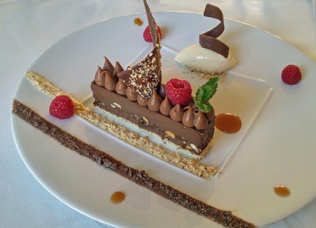 Entremet chocolat noisettes ©AA