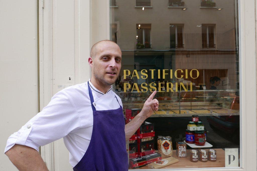 Giovanni Passerini à l'Orangerie et sa boutique © GP