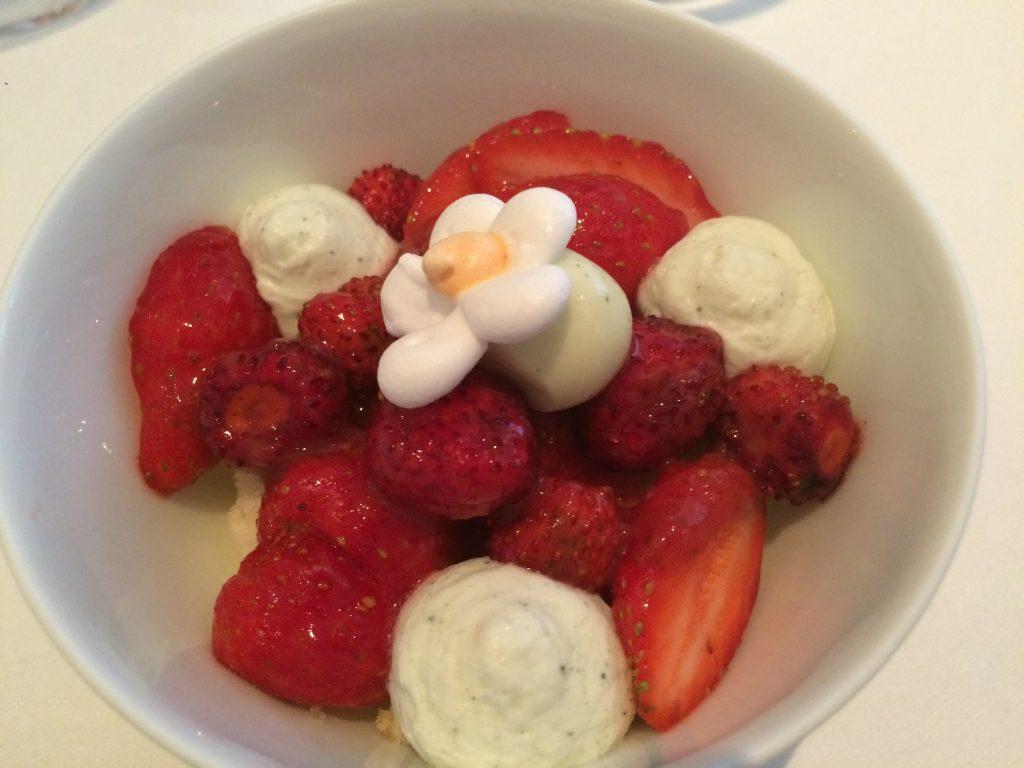 Variation autour de la fraise des bois © GP