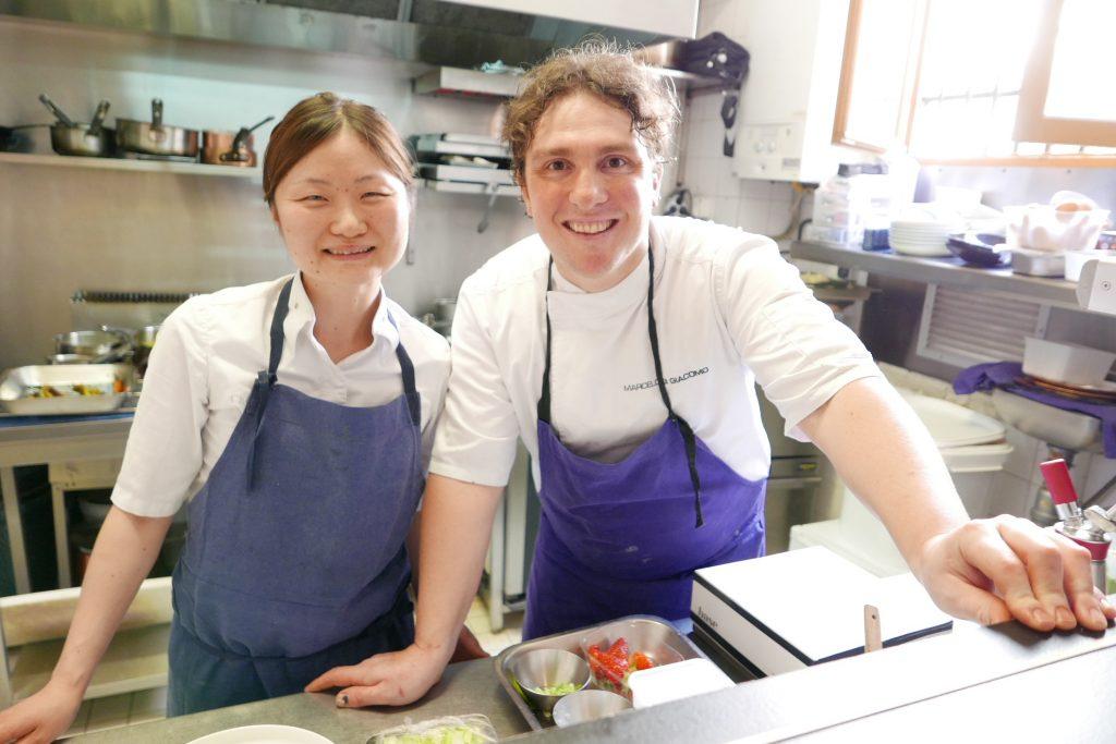 Chiho et Marcelo en cuisine © GP