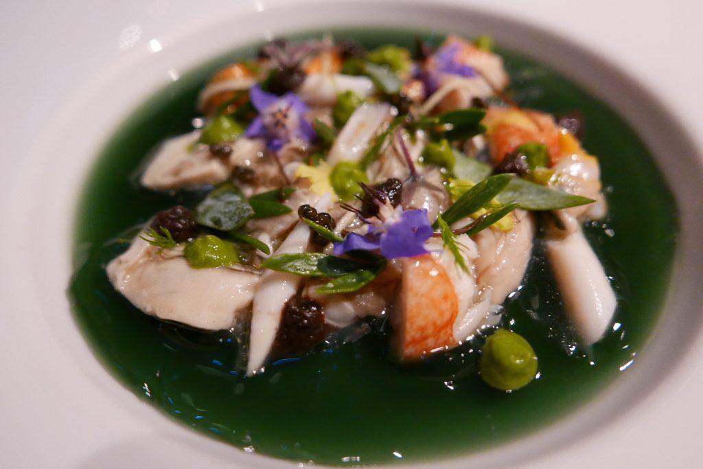 Jardin marin: moules huîtres, homard, palourdes, bouillon d'algues © GP